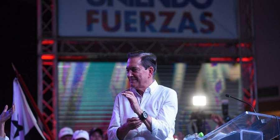 Panama's presidential candidate for the Democratic Revolutionary Party (PRD) Laurentino Cortizo (C) celebrates after being elected President of Panama, in Panama City on May 5, 2019.