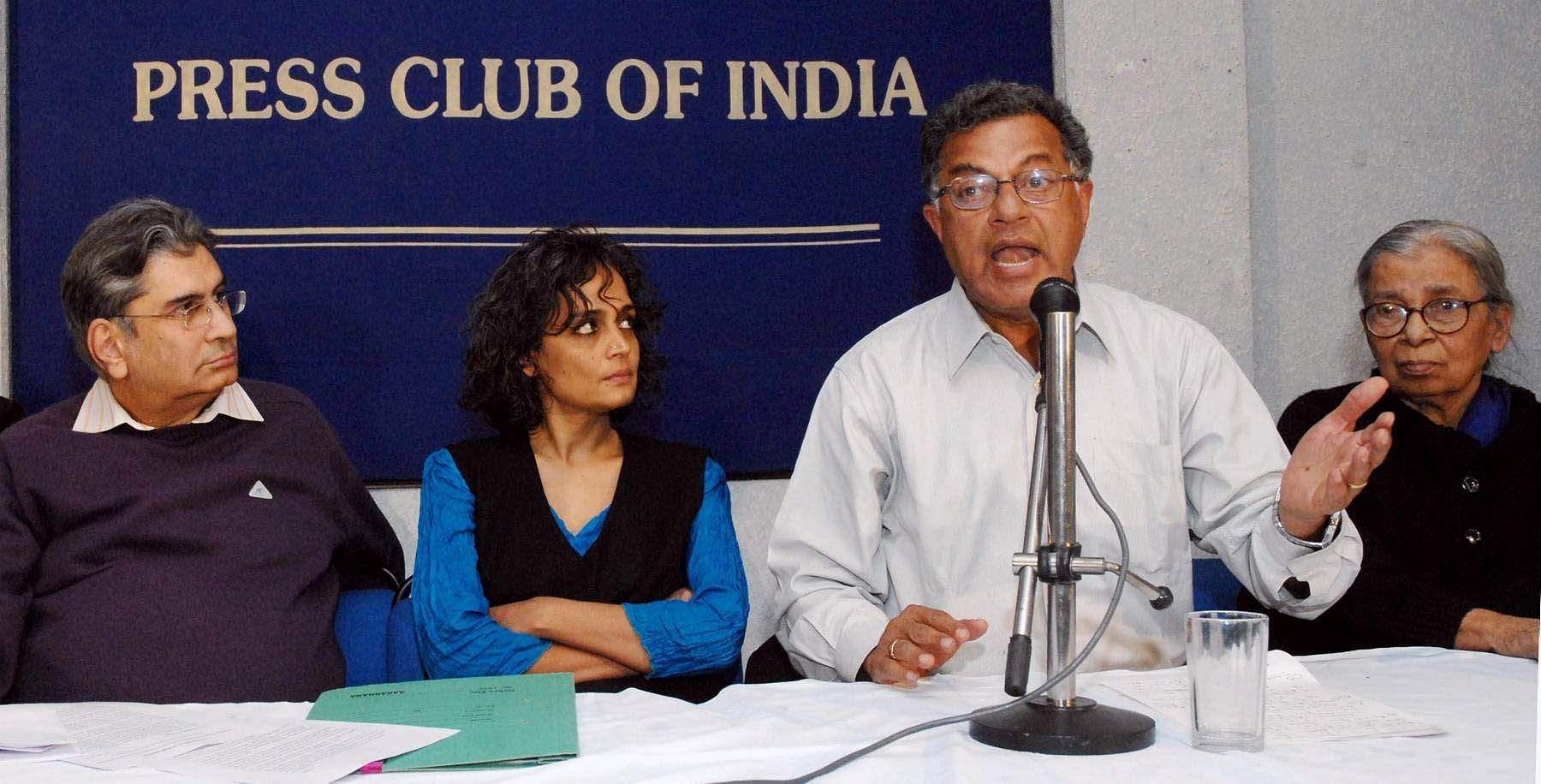 Girish Karnad, Arundhati Roy, Vinod Mehta