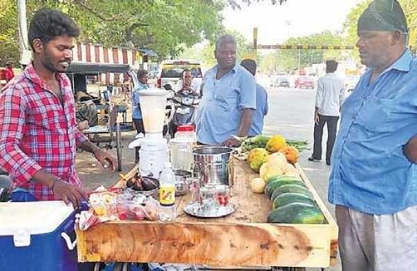 Police aspirant serves healthy drinks to Chennai