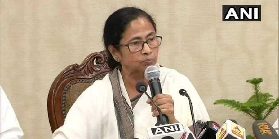 Mamata Banerjee, chief minister of West Bengal, speaks to representatives of striking doctors at Nabanna, the state Secretariat on 17 June 2019. (Photo   ANI Twitter)