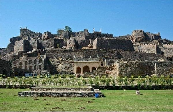 Heritage activist raises a stink over lack of bylaws for Golconda Fort in Hyderabad