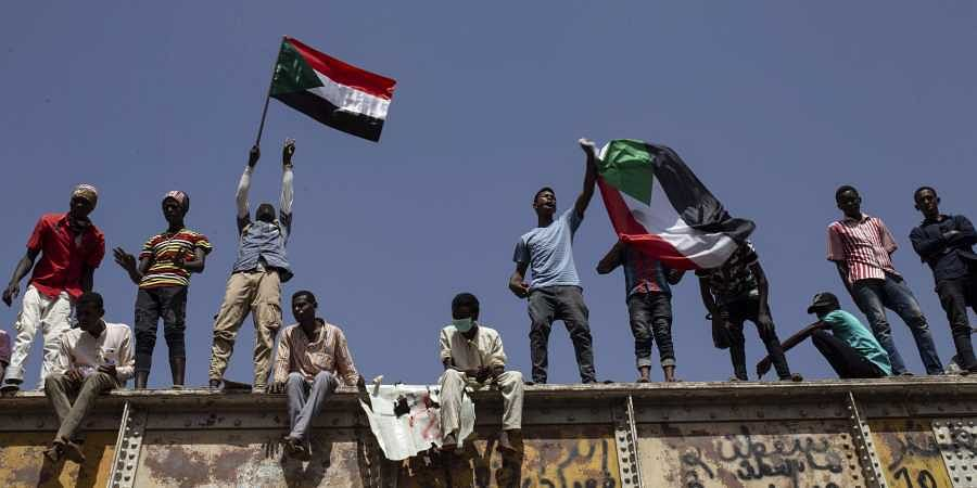 Sudanese protesters: Forces kill 1 outside Khartoum's sit