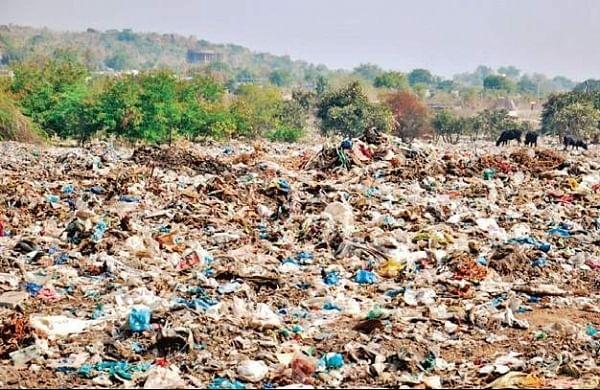 A year after fire, Patrika Nagar slum turns into a dumping yard in Hyderabad