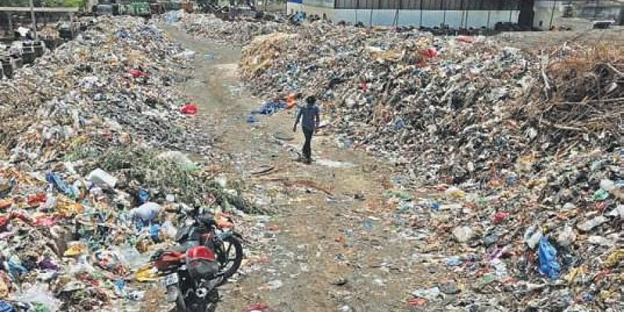 Vijayawada residents up in arms against VMC for irresponsible garbage dumping- The New Indian Express