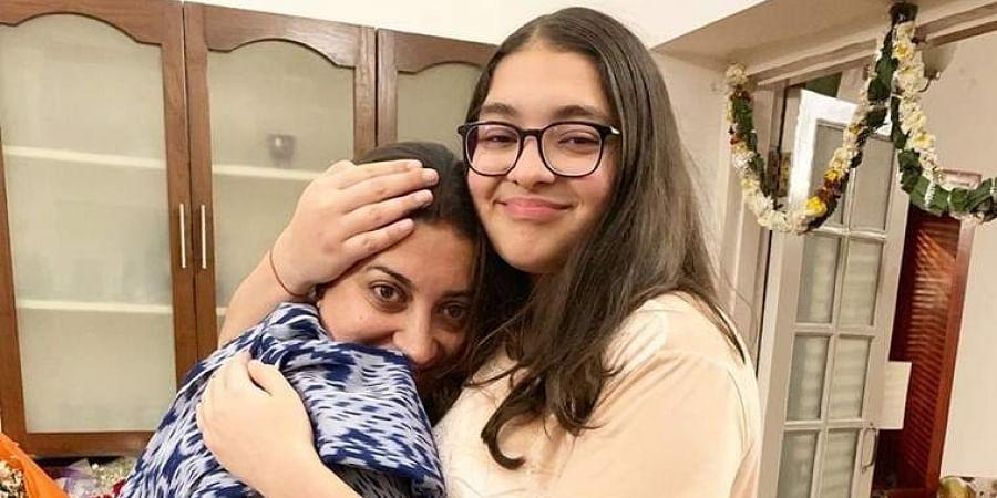 Smriti Irani with her daughter Zoish Irani