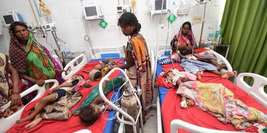 Children showing symptoms of AES being treated in Muzaffarpur.
