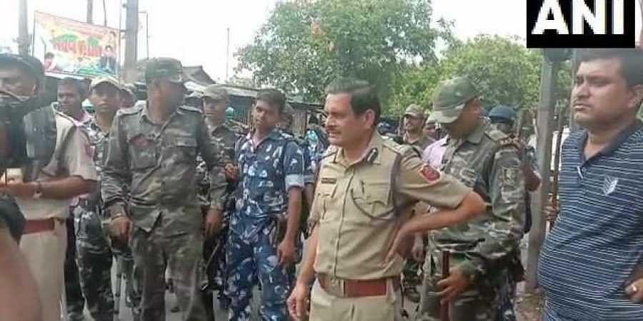 Bengal police seize 60 bombs in Bhatpara, arrest 8 people