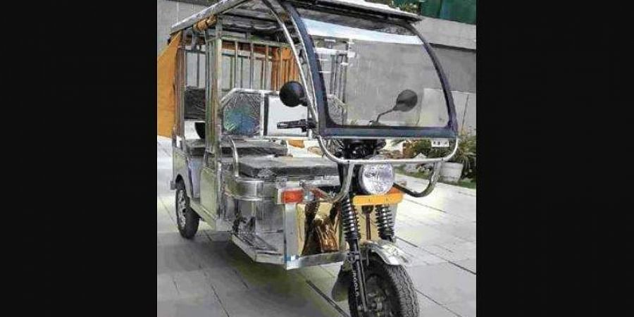 Stainless steel e-rickshaws