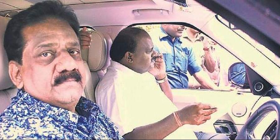 Shauqat Ali Khan has been Karnataka Chief Minister (on right) H D Kumaraswamy's driver for 13 years. (Photo   EPS)