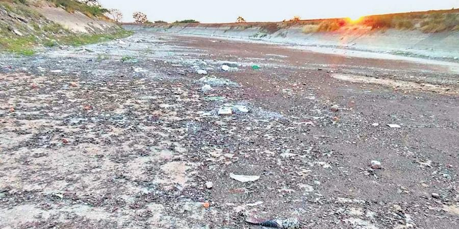 A view of the dried up KC Canal in Kurnool district