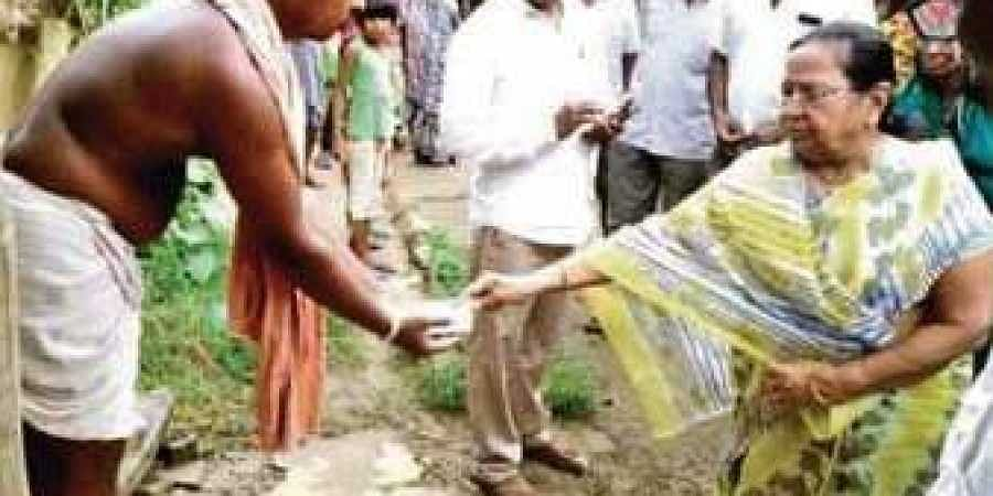 The picture of Sabitri Agrawalla in Chata village that went viral on Thursday