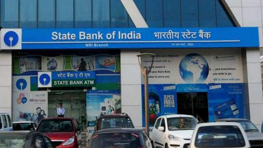 In an effort to boost online transactions, State Bank of India (SBI) has  announced that it will waive off The Real-Time Gross Settlement (RTGS)  and National Electronic Funds Transfer (NEFT) charges for internet, mobile  banking customers and YONO app users. The waiver is effective from July 1, 2019. (Photo | PTI)