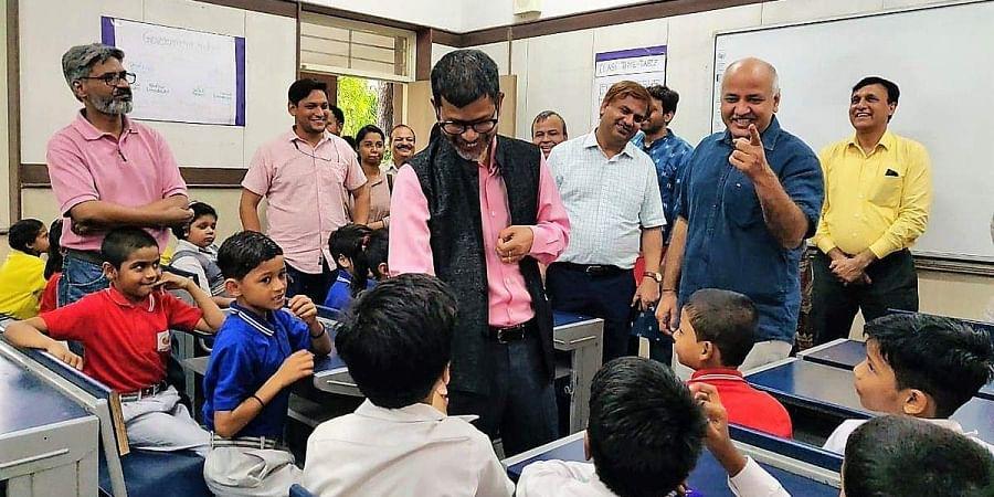 Delhi Deputy CM Manish Sisodia along with Meghalaya Education Minister Lahkmen Rymbui visited Sarvodaya Vidyalaya, Rouse Avenue today morning.