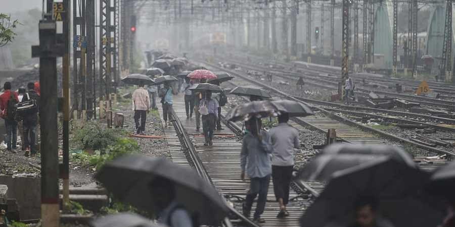Mumbai_railways_rains