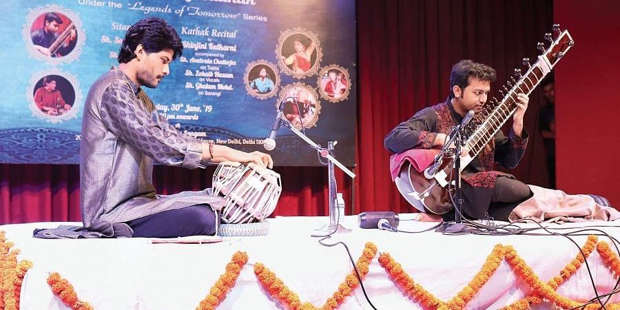 Soumitra Thakur playing sitar accompanied by Romaan Khan on tabla.