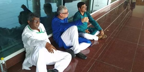 TMC delegation does a sit-in after detained at Varanasi airport (Picture   ANI)