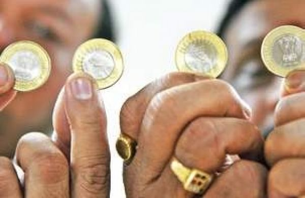 Banks are not acceptingRs 10 coins, say hoteliers