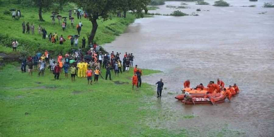 700 people were stranded on board Mumbai-Kolhapur Mahalaxmi Express about 60 km out of Mumbai on 27 July 2019 after heavy rains paralysed the city and its surrounding areas. (Photo   ANI)