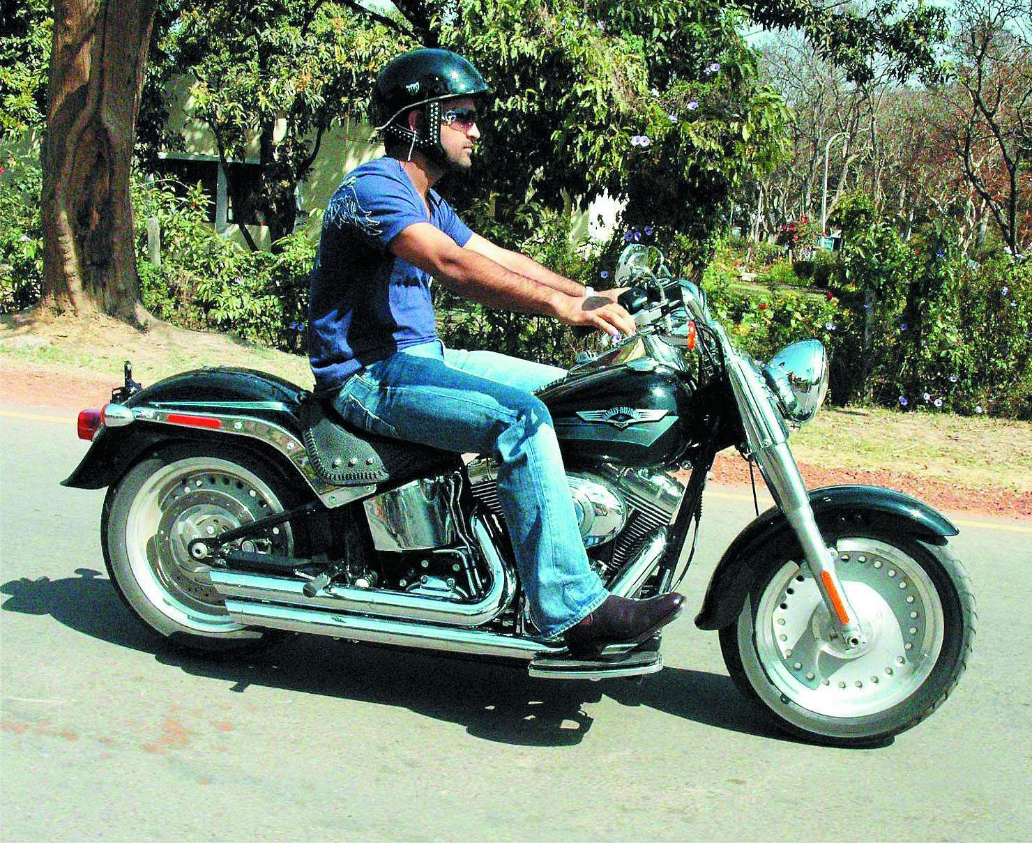 MS Dhoni enjoys bike ride in his home town Ranchi.