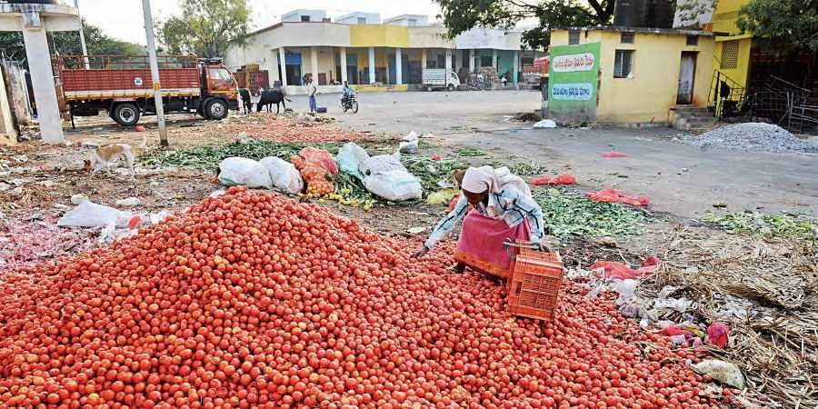 Odisha Government plans to incentivise farmers growing tomatoes, potatoes, onions.