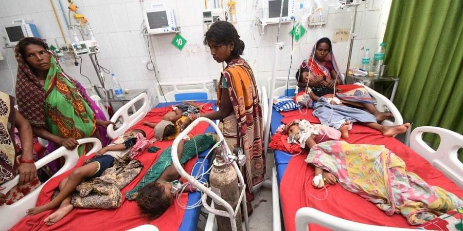 Children showing symptoms of AES being treated in Muzaffarpur.