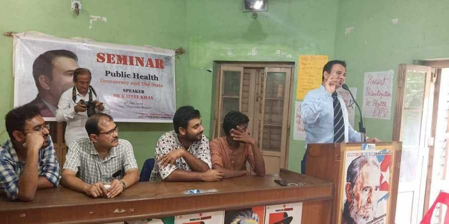 Dr Kafeel Khan speaks at a seminar organised by SFI West Bengal State Committee. (Photo | SFI)