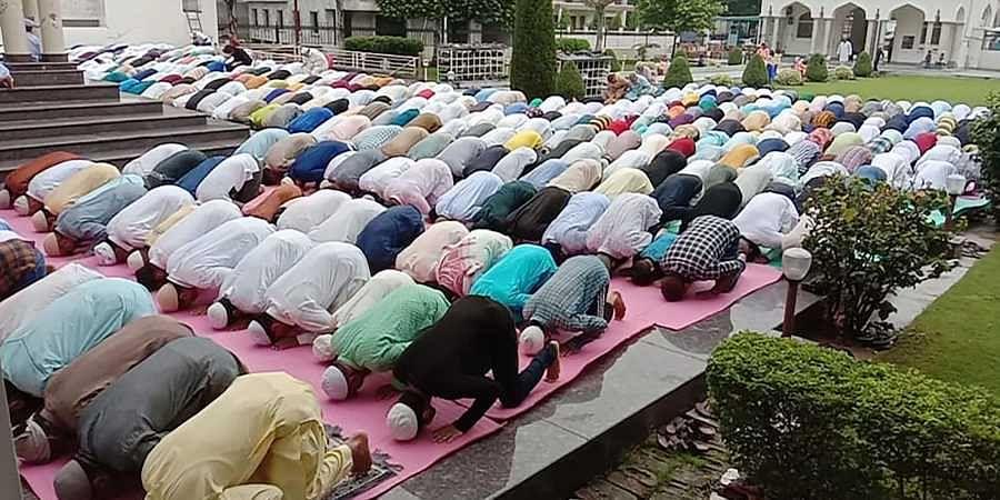 Srinagar Muslims offer prayers on the occasion of Eid al-Adha in Srinagar
