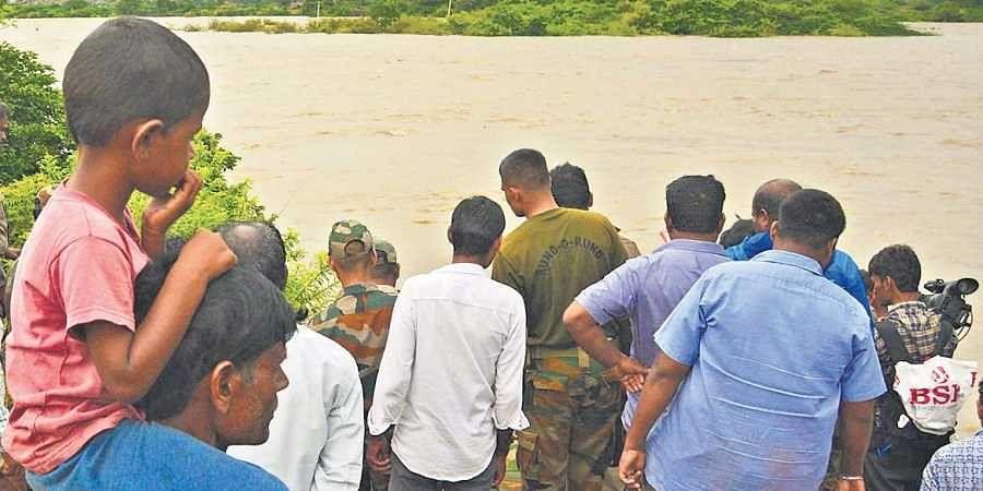 people, flood