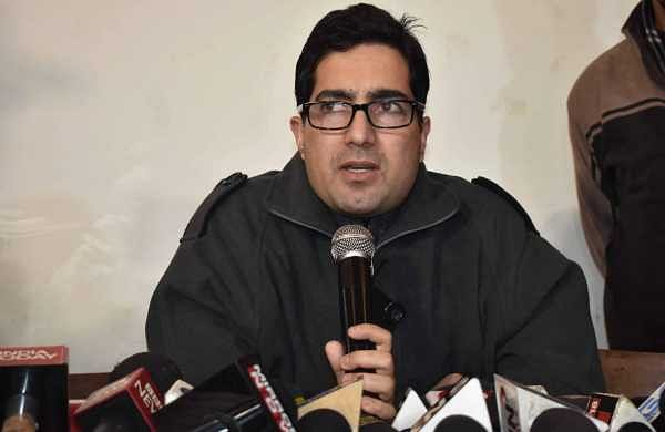 IAS officer-turned-politician Shah Faesal detained at Delhi airport, sent back to Kashmir
