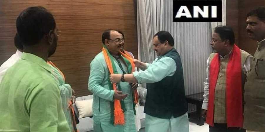 Former Kolkata Mayor Sovan Chatterjee joined the BJP on 14 August 2019. (Photo   ANI Twitter)