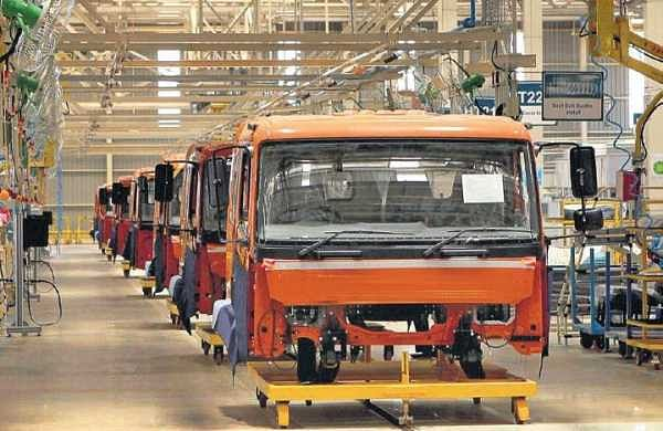 Breakdown in auto sector, thousands of jobs at risk