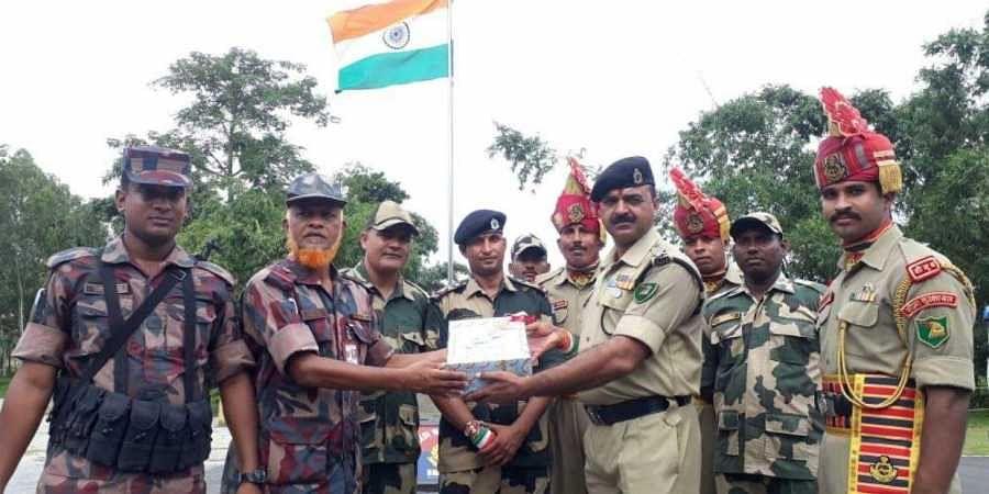 Sweets exchanged at India-Bangladesh border between Border Security Force (BSF) and Border Guards Bangladesh (BGB)