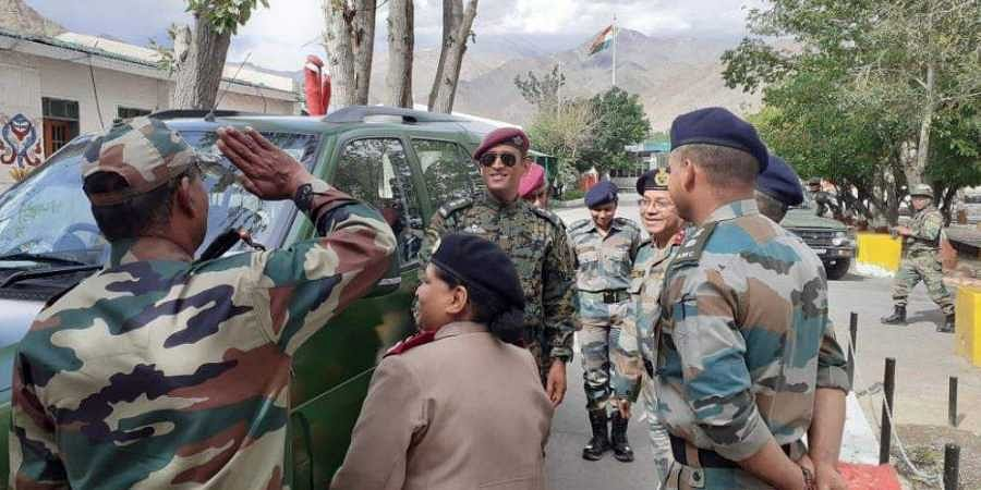 MS Dhoni interacts with locals and jawans in Ladakh
