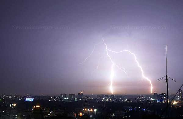 Bihar lightning strike toll climbs to 92, RJD demands Rs 10 lakh aid for kin of each deceased