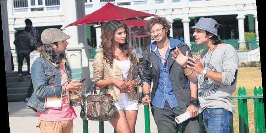 Shreyas Pardiwalla , Nicole Fariya, Dev Sharma with Himansh Kohli;(below)Smriti Kashyap with Sharma