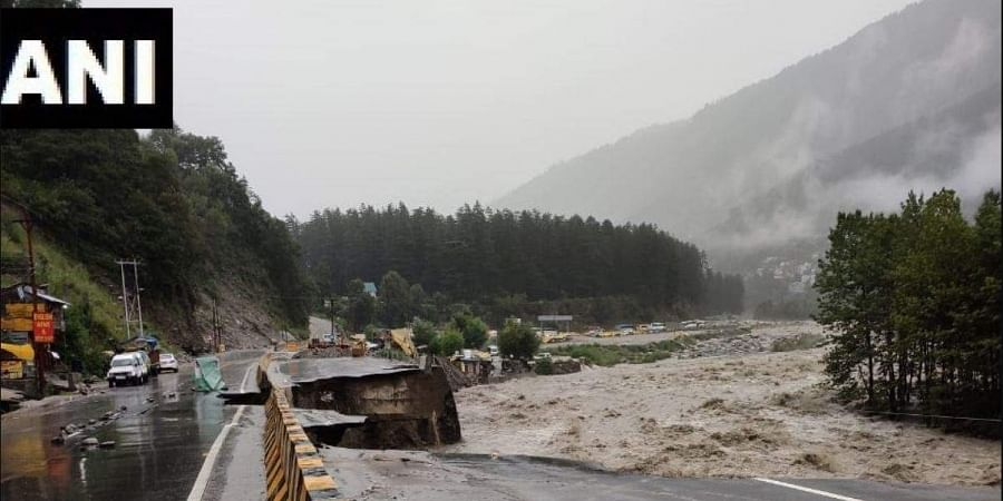 National Highway 3 between Manali and Kullu partially damaged due to landslide and heavy rain