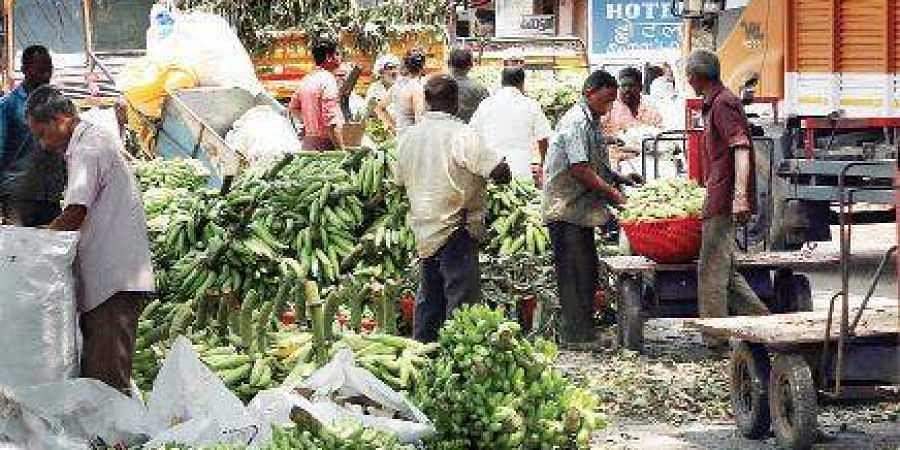 Vegetables being unloaded at Ernakulam market