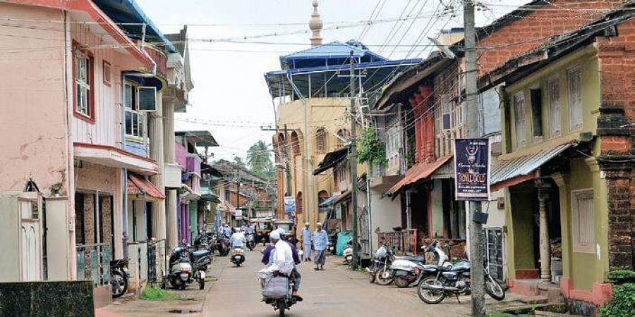 Residents of Bhatkal belonging to the Nawayat community continue to maintain relations with those in Pakistan through marriage