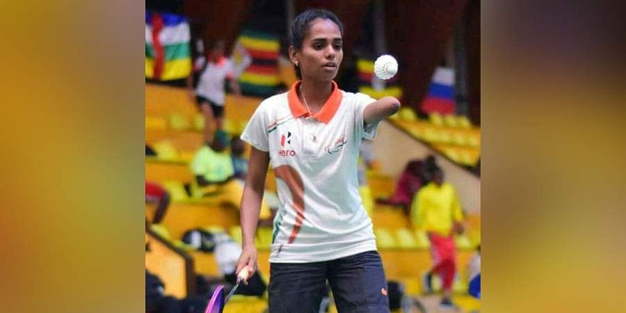 Arati Patil playing badminton