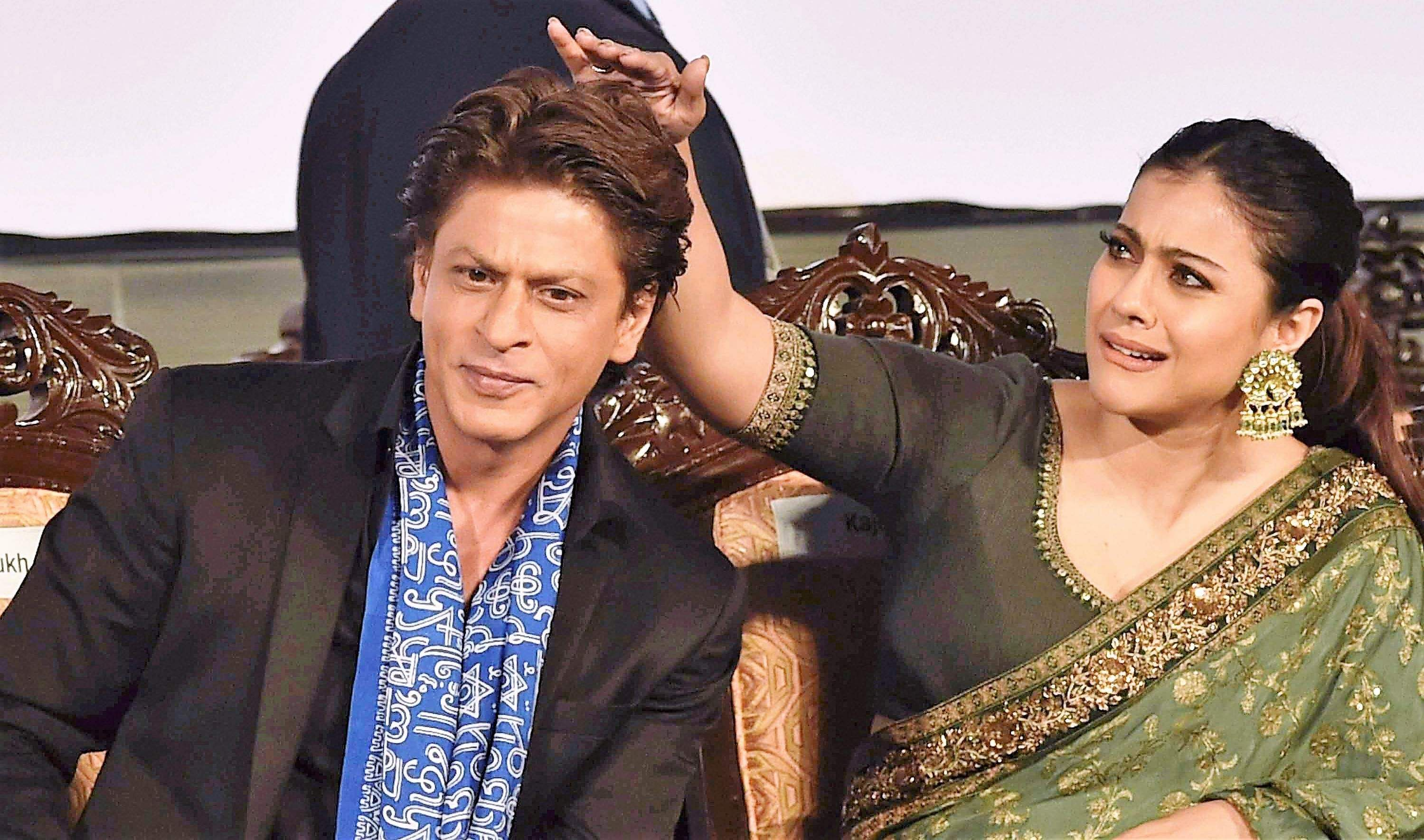 Shah Rukh Khan and Kajol during inauguration of 23rd Kolkata International Film Festival.