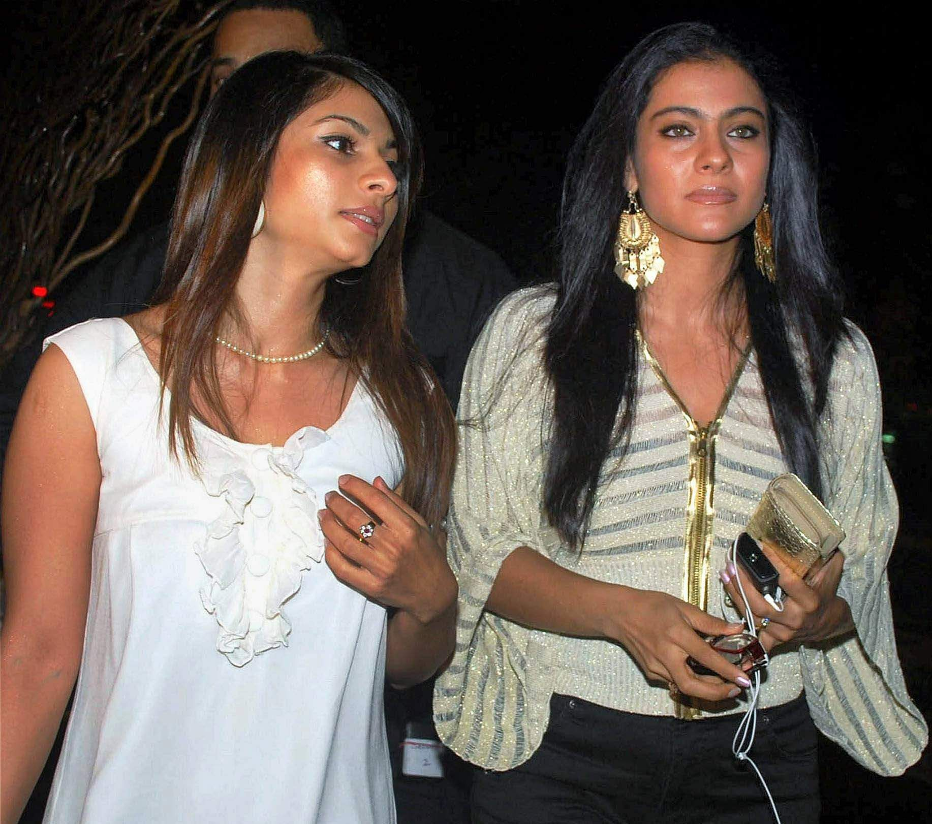 Bollywood star Kajol with sister Tanisha at the Manish Malhotra show in the Lakme Fashion Week in Mumbai
