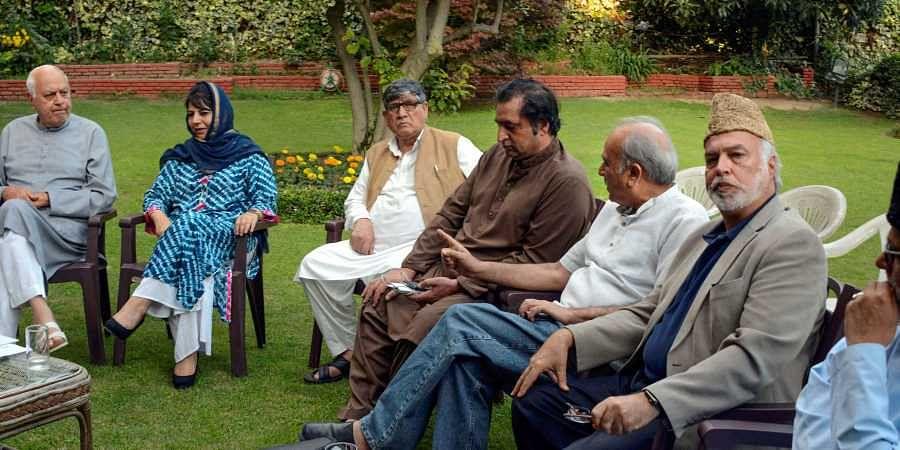 Sec 144 imposed in Srinagar, Omar Abdullah, Mehbooba Mufti