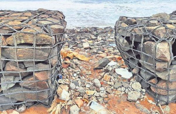 Crumbling sea walla cause of worry