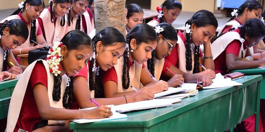 Aadhaar compulsory for govt, aided school kids- The New Indian Express