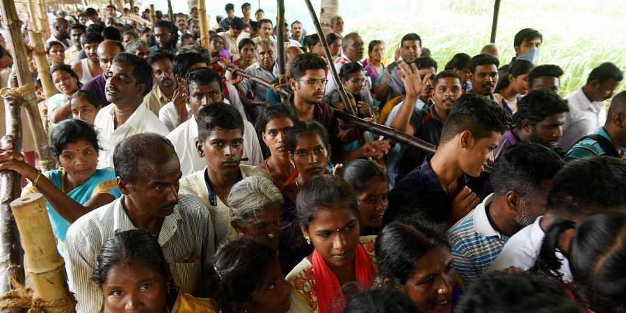 People throng at Sri Varadaraja Perumal Temple to darshan Lord  Aathivaradhar, in Kanchipuram