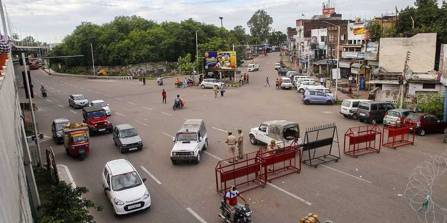 Vehicles ply as restrictions continue in Jammu and Kashmir