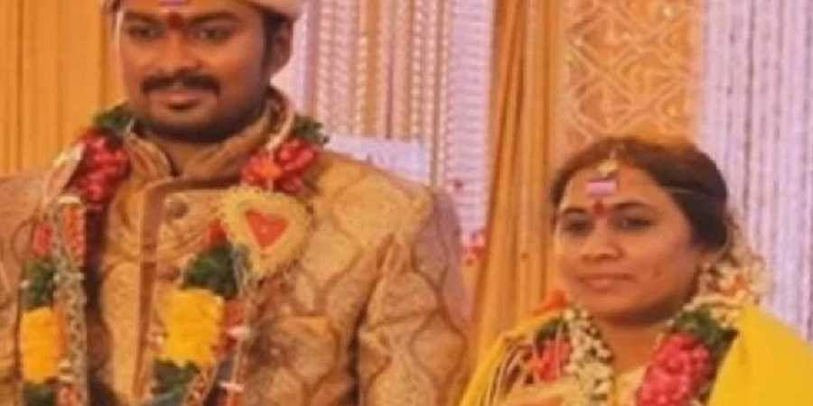 Madhu Prakash and wife. (Photo | Twitter)