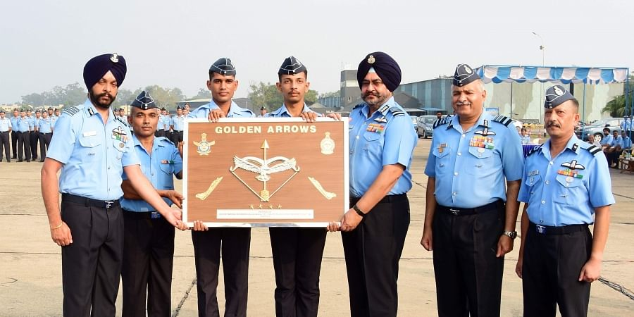 Air Chief presenting the squadron insignia to the Commanding Officer (Designate) of Squadron, Group Captain Harkirat Singh. | Express Photo Services