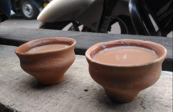 Environment-friendly 'kulhad' to replace plastic tea cups at railway stations: Railway Minister