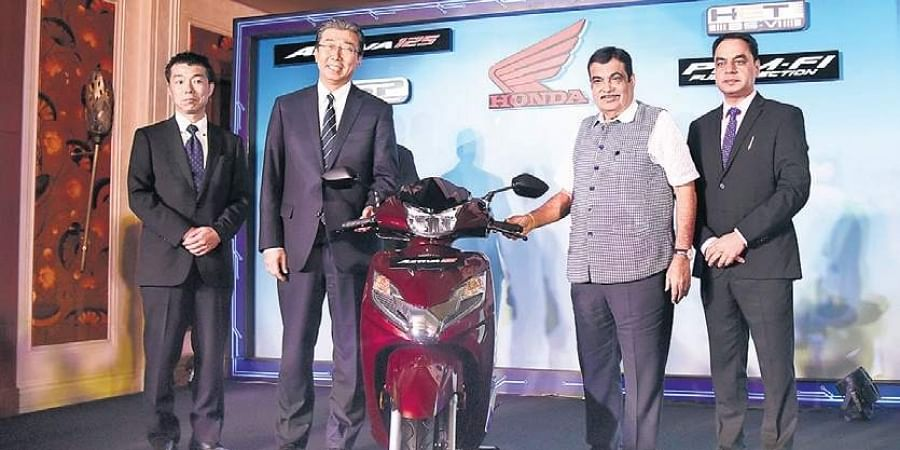 Union Road Transport Minister Nitin Gadkari and HMSI president, CEO and MD Minoru Kato launch Activa 125 in New Delhi